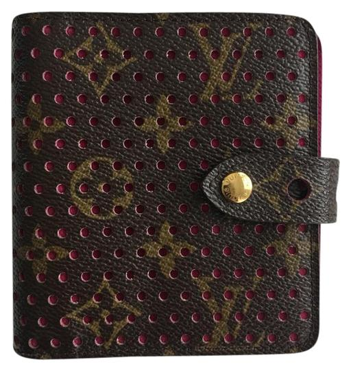 Preload https://img-static.tradesy.com/item/21205211/louis-vuitton-fuchsia-perforated-compact-zip-wallet-0-1-540-540.jpg