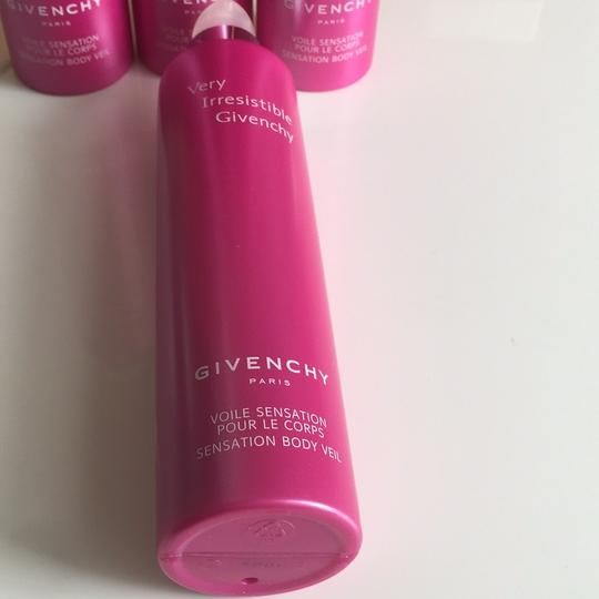 Givenchy Very Irresistible By Givenchy - Body Lotion/Veil 6.7 Oz for Women Image 1