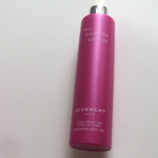 Givenchy Very Irresistible By Givenchy - Body Lotion/Veil 6.7 Oz for Women Image 2