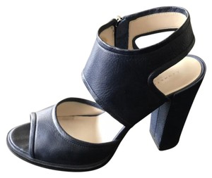 Kenneth Cole navy blue Sandals