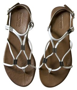 Kenneth Cole Reaction Thong Toe White Sandals