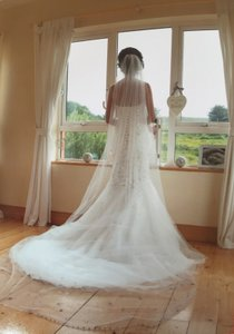 Brilliant White 1 Tier Cathedral Veil With Crystals W/comb