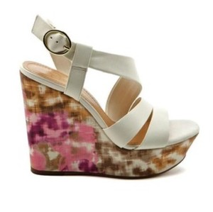 Jessica Simpson Ivory w/pink & tan Wedges