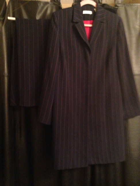 Item - Navy with Red Pin Stripe Knee Length Coat/Jacket and Slacks Pant Suit Size 14 (L)