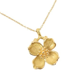 Tiffany & Co. Vintage Tiffany & Co 18K Gold Dogwood Flower Pendant Chain Necklace
