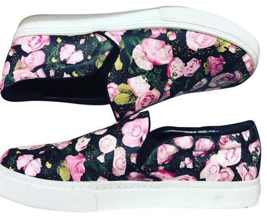 Preload https://img-static.tradesy.com/item/21208507/schutz-flowers-printed-leather-slip-on-fashion-sneakers-sneakers-size-us-9-regular-m-b-0-1-540-540.jpg