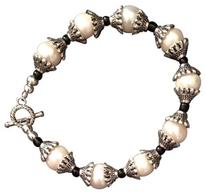Other Handmade Freshwater Cultured Pearl Bracelet