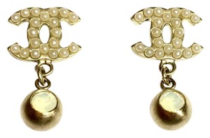 Chanel Authentic Gold tone CC Logo Pearls with Dangle