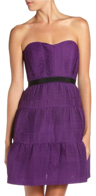 Item - Purple Bcbg Strapless Bodice Sweetheart Neckline Micro Pleating Mid-length Formal Dress Size 12 (L)