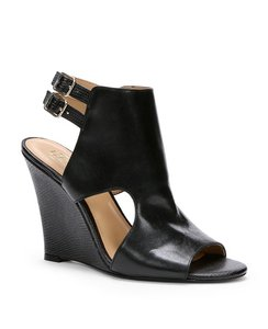 Ann Taylor Black Wedges