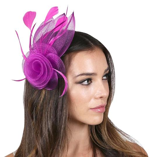 Preload https://img-static.tradesy.com/item/21210170/pink-new-feather-mesh-flower-hair-pinch-clip-brooch-hat-0-1-540-540.jpg