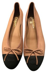 Chanel Ballerina Classic Leather Monogram Tan and Black Flats