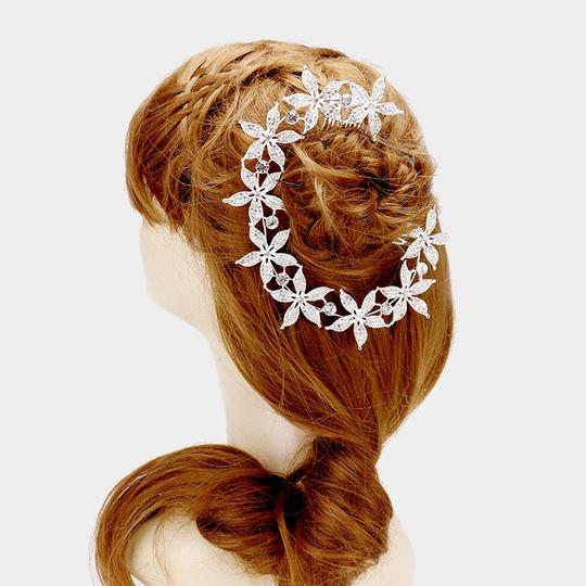 Preload https://img-static.tradesy.com/item/21211529/silver-rhinestone-pave-flowers-comb-headpiece-hair-accessory-0-0-540-540.jpg