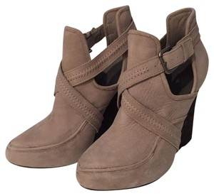 Joie taupe Wedges