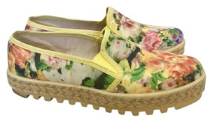 Sixtyseven Floral Platforms