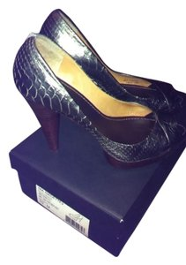 BCBGMAXAZRIA Pewter Pumps