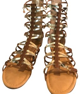 Tahari Gladiator Gold Brown Sanda Cognac Sandals