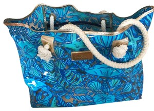 Lilly Pulitzer Tote in blue pattern