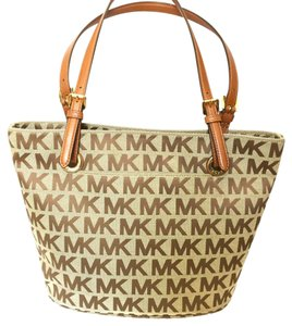 Michael Kors Tote in beige with brown monogram