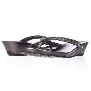 Kenneth Cole Pewter Sandals