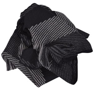 Hugo Boss NEW Boss Hugo Boss Men's Famino Grey and Black Striped Script Scarf
