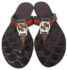 26f55faab Gucci Brown Gg Logo Women s Cocoa Flip Flop Sandals Size US 4.5 ...