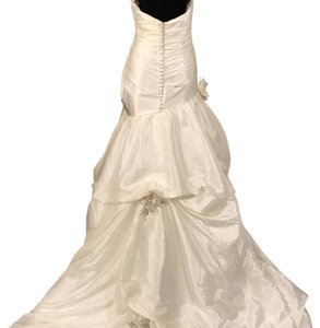 Dere Kiang Ivory with Silver Accents Style 1611 Vintage Wedding Dress Size 8 (M)