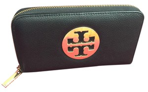 Tory Burch Gold Tory Burch logo full zip black leather wallet