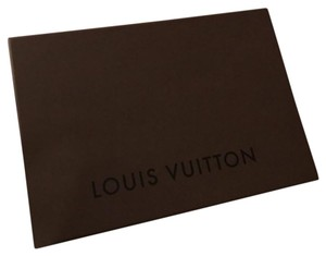Louis Vuitton Louis Vuitton Box with tissue
