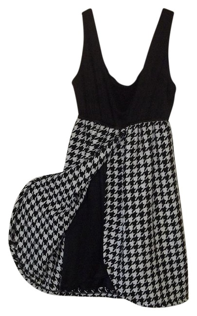 Preload https://img-static.tradesy.com/item/21222004/judith-march-black-white-rn85982-style709d-1-short-casual-dress-size-8-m-0-1-650-650.jpg