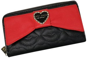 Betsey Johnson NWT Boxed Large Bow Wallet