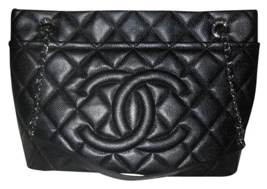 Preload https://item4.tradesy.com/images/chanel-hobo-timeless-grand-shopping-gst-soft-quilted-jumbo-cc-logo-12a-black-caviar-leather-tote-21222493-0-0.jpg?width=440&height=440