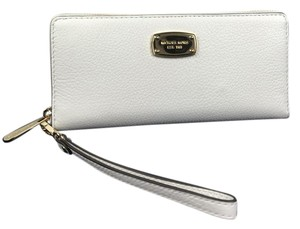 Michael Kors Michael Kors Jet Set Continental Travel Wallet White