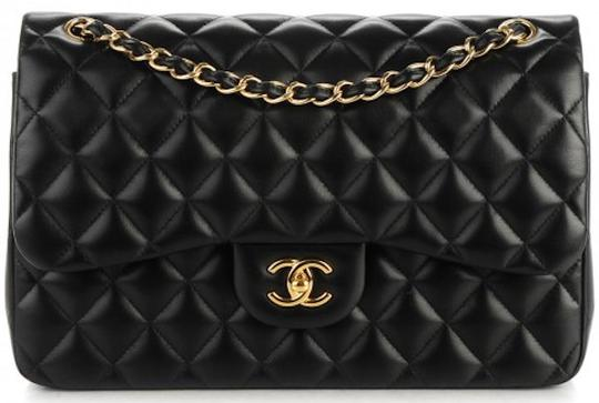 Preload https://img-static.tradesy.com/item/21223300/chanel-255-reissue-classic-jumbo-double-flap-quilted-cc-logo-cross-black-lambskin-leather-shoulder-b-0-8-540-540.jpg