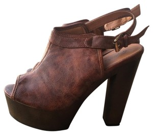 Qupid Cognac Platforms