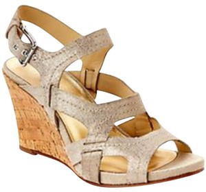 Donald J. Pliner New Comfortable Gold light gold Wedges