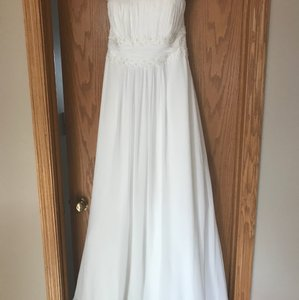 David's Bridal Beautiful Wedding Dress Brand New Wedding Dress