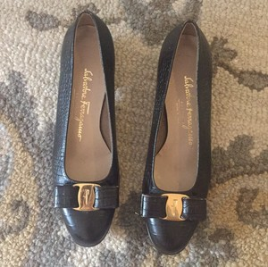 b04723fe01e90 Salvatore Ferragamo Flats - Up to 90% off at Tradesy