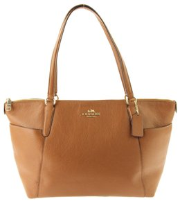 Coach Ava Pebbled Leather Saddlebrown Tote in Brown