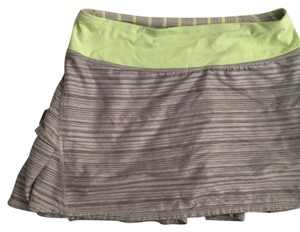 Lululemon beautiful skirt with shorts built on