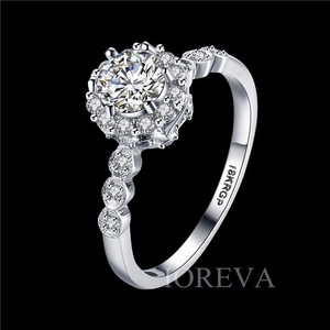 Platinum For Women Zircon Engagement Ring