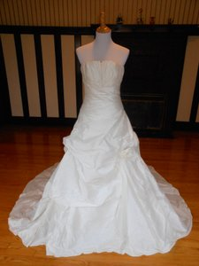 Pronovias Tahiti 6231 Wedding Dress