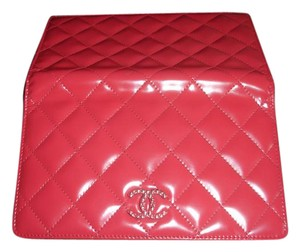 Chanel Patent Leather Spain Dark pink Clutch