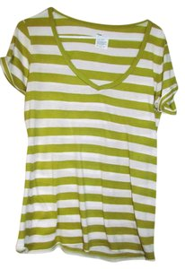 Gap T Shirt Green and white
