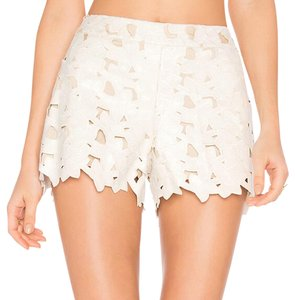 Alice + Olivia Dress Shorts white
