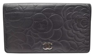 Chanel Chanel black camellia Lambskin long wallet