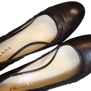 Prada dark purple Pumps