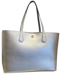 Tory Burch Tote in silver