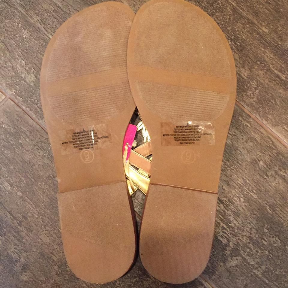 f52aa4dbd540 Lilly Pulitzer for Target Gold Pineapple Sandals Size US 9 Regular ...