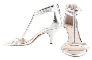 Vince Camuto Leather Open Toe Peep Toe Evening silver Sandals